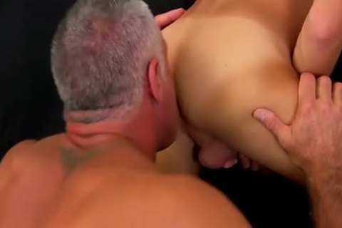 older Hunk fucks twinks pretty butthole