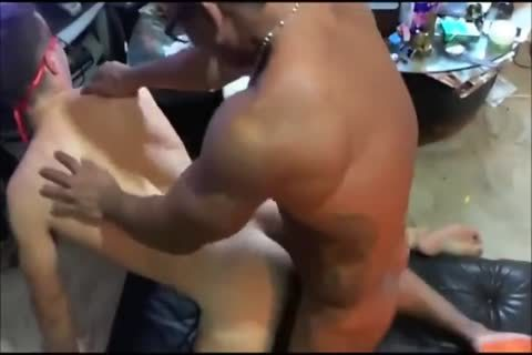 RE White lad hammered By muscular Filipino